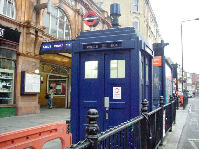 Police Call Box, Earls Court (image copyright Phillip Perry, via Geograph)