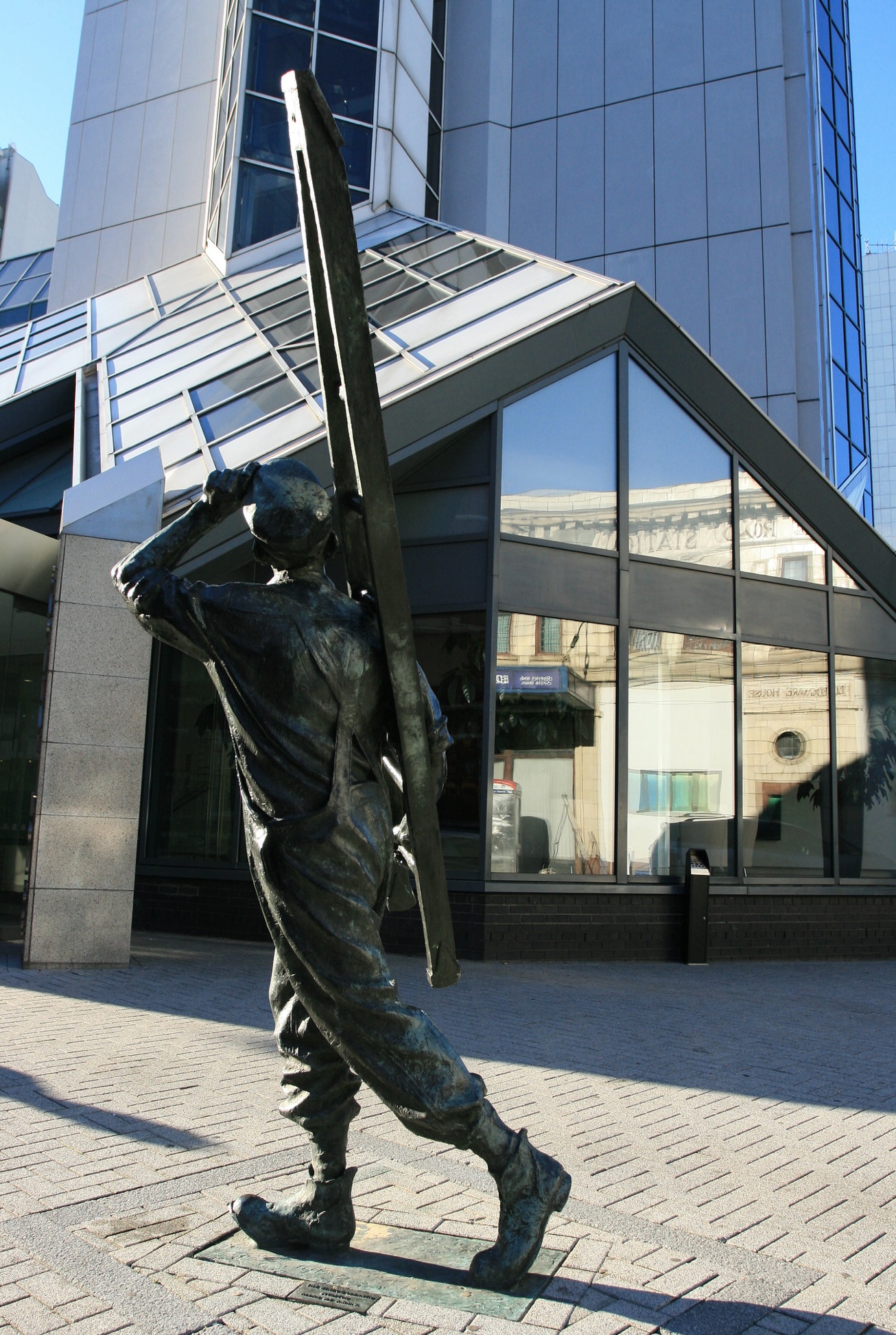 The Window Cleaner Statue (image copyright Mick Baker, via Flickr)