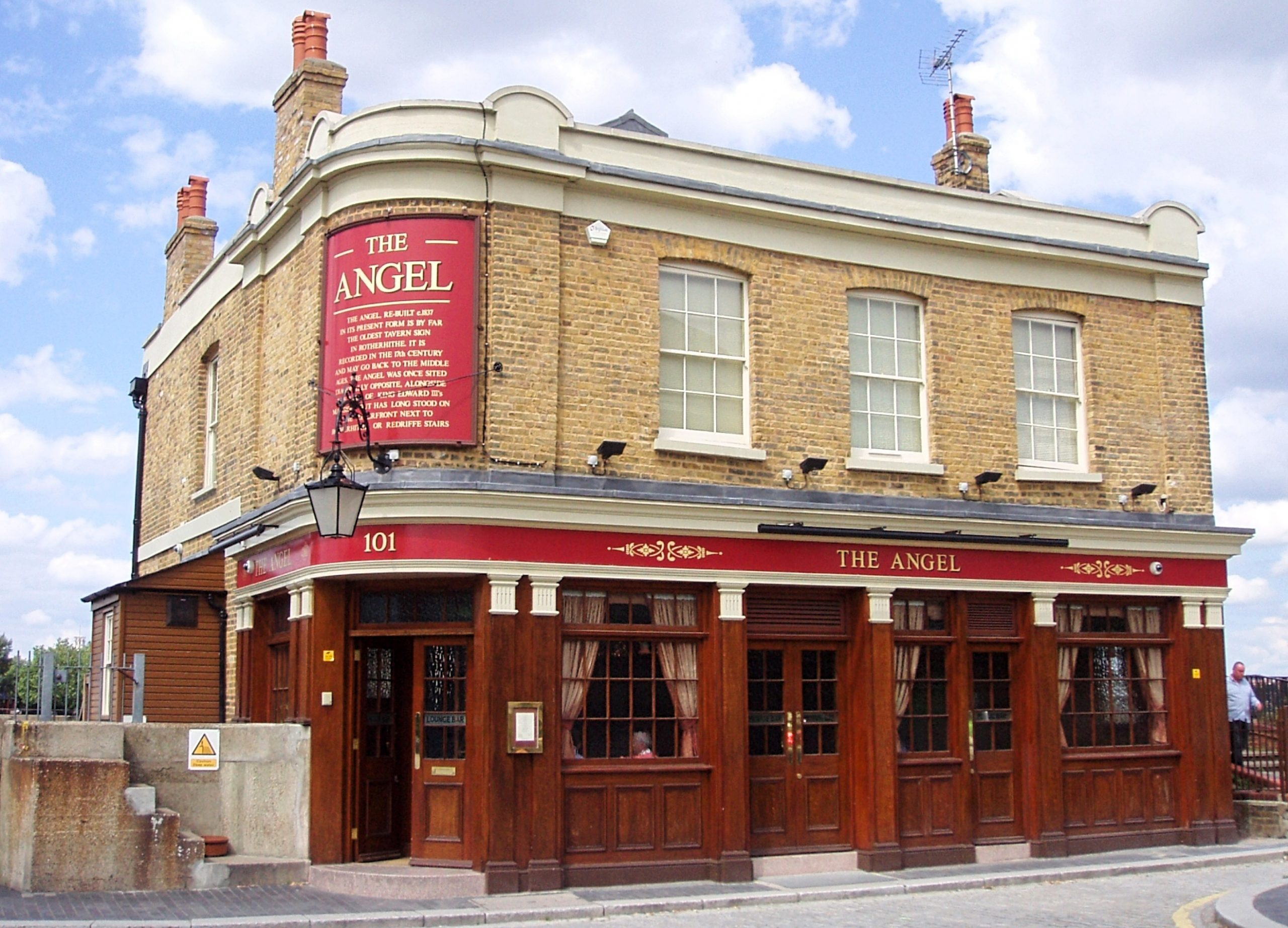 London Pub: The Angel, Rotherhithe. Image copyright: Ewan Munro via Flickr