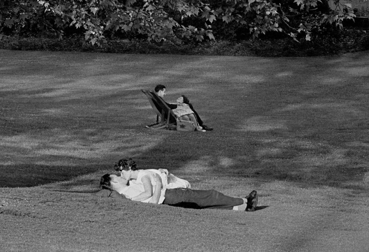Lovers in Green Park, 1959
