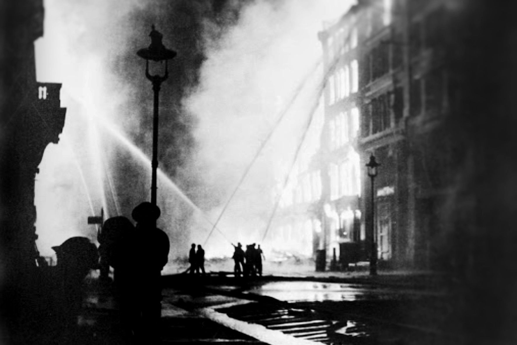 Firefighting during the London Blitz